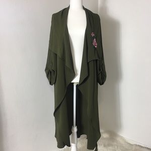 Kimono 👘 olive color with flowers details